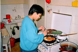 1994 - GH learning to cook